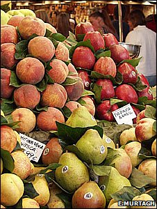 Fruit on a market stall (Image: Emma Murtagh)