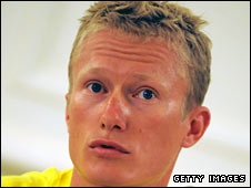 Vinokourov was dropped by Astana in 2007