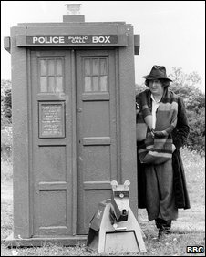 Dr Who with tardis and robot dog
