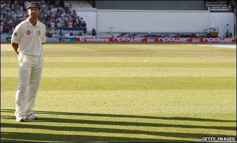 Ricky Ponting stands alone on The Oval outfield