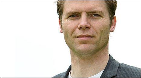 Nick Wallis