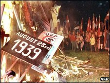 Placards symbolizing the Molotov-Ribbentrop Pact burn burn during a massive protest in Tallinn, Estonia (then part of the Soviet Union), 27 August 1987