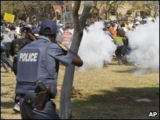 Police fire rubber bullets in Pretoria