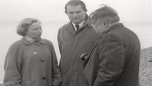 Daphne and Tony Wakefield with Panorama reporter Francis Williams in 1957