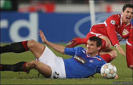 Lee McCulloch in action against Stuttgart