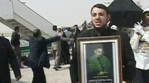 Abdul Aziz al-Hakim's body arrives in Baghdad