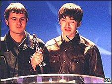 Oasis at Brits 1996