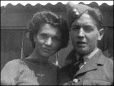 image shows black and white head and shoulders of Elaine & Harold in RAF uniform