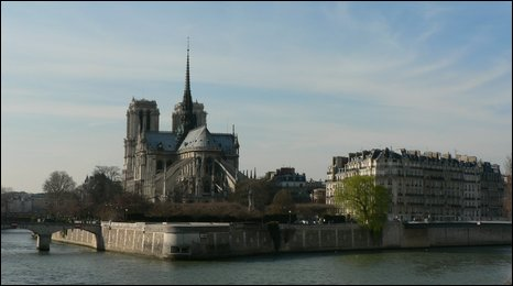 Notre Dame seen from the left bank of the Seine