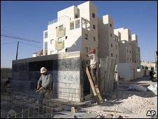 Construction work on a Jewish housing development in east Jerusalem on 27/08/09