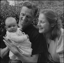 Brigitta Jacob-Engelken as a baby with her parents