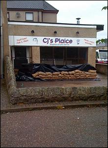 Elgin sandbags [Pic: Gilbert Pellegrom]