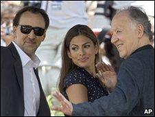 (l-r) Nicolas Cage, Eva Mendes, Werner Herzog