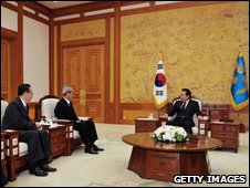 N Korean senior delegates hold talks with South Korean President Lee Myung-Bak , present for last month's funeral arrangements for former South Korean president Kim Dae-jung
