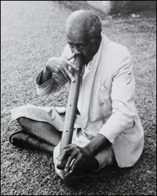 Fijian nose flute, courtesy George Kingsle Roth and the British Library