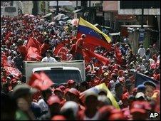 Chavez supporters rally in Caracas, Venezuela, 5 September 2009