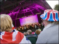 Proms in the park crowd