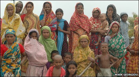A crowd of Bangladeshis