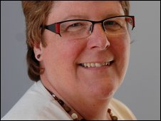 Elaine Hill, Medaille Trust