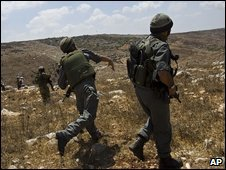 Israeli soldiers near the West Bank town of Nablus (14 August 2009)
