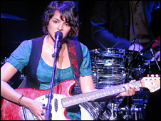 Norah Jones at Apple event09