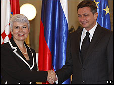 Croatian Prime Minister Jadranka Kosor and Slovenian counterpart Borut Pahor in Ljubljana, 11/09/09