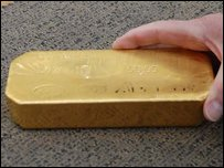 A gold bar worth �250,000