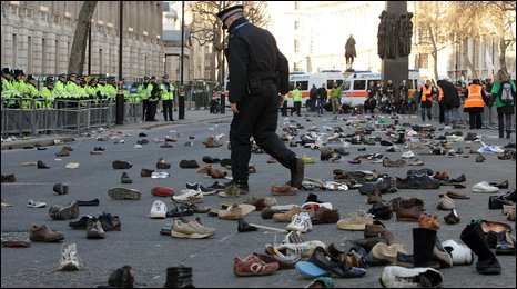 Shoes thrown at entrance to Downing Street