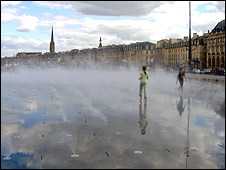 The Bordeaux water feature