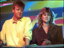 Simon Mayo and Anthea Turner present Top of the Pops in 1988