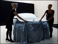 Rolls-royce being unveiled