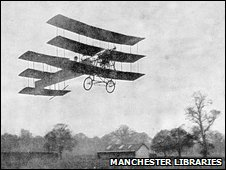 Roe 1 Triplane takes to the air in 1909