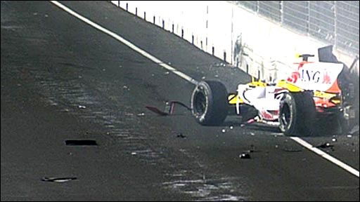 Nelson Piquet Jr crashes out of the Singapore Grand Prix in 2008
