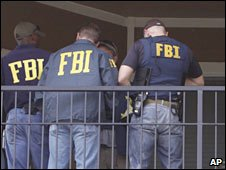 FBI agents search a home in Aurora, Colorado. Photo: 16 September 2009