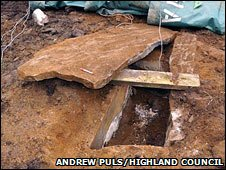 Bronze Age cist. COPYRIGHT HIGHLAND COUNCIL/ANDREW PULS