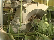 Estelle Maersk's engine room (Image: BBC)