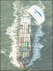 Container vessel with a kite sail