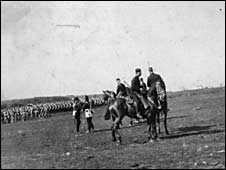 Troops on moor. Picture courtesy of Dartmoor Archive