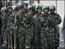 Chinese soldiers in Xinjiang (3 September 2009)