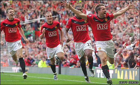 Michael Owen celebrates his winner