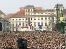 US President Barack Obama makes his 5 April 2009 speech in Prague (file image)