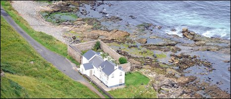 Estate Agent Signals Marconi Sale Marconis Cottage As Is