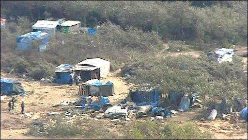 """""""jungle"""" refugee encampment, Calais"""