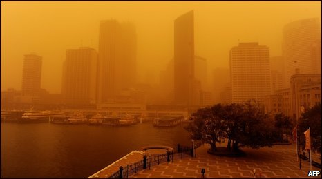 Sydney city office buildings shrouded in dust, 23 September