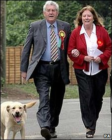 Rhodri and Julie Morgan going to vote in the 2007 assembly election