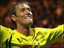 Battle of the backheels: Peter Crouch (Preston Spurs) v Gabby Agbonlahor (Aston Villa Cardiff)