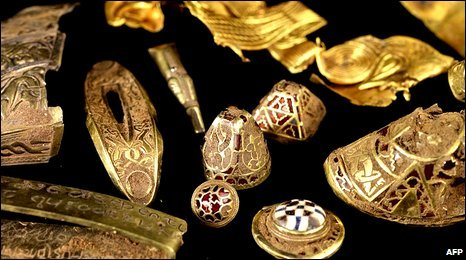 Image of Anglo-Saxon hoard from the BBC website (AFP picture)