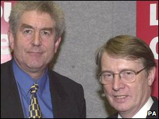 Rhodri Morgan and Alun Michael in 2000