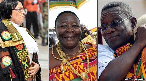 Ghanaian parliament speaker Joyce Bamfo (L), Queen mother of Ghana's Amamfro Cape Coast Nana Akua Tawian (centre), President John Atta Mills (R)
