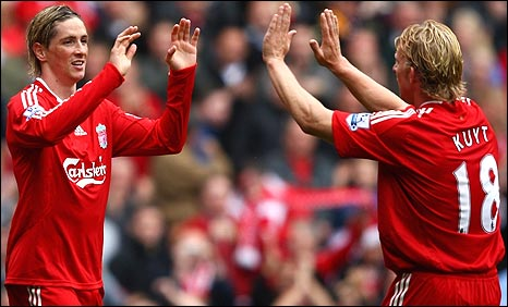 Fernando Torres (left) and Dirk Kuyt